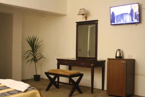 New Garden Palace Hotel - image 5
