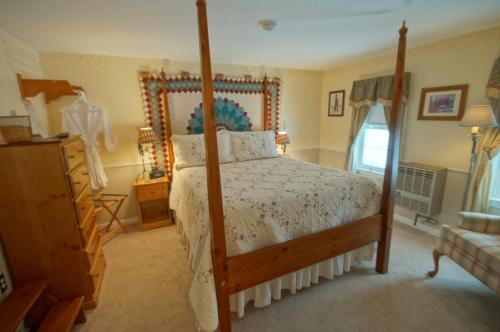 Pleasant View Bed & Breakfast - Bristol, NH 03222