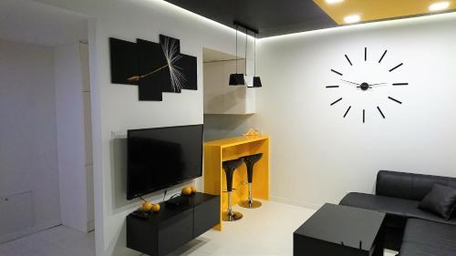 . Apartament Exclusive YellowBlack