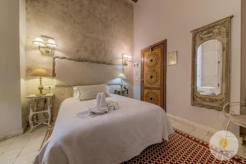 Double or Twin Room with Balcony Hotel Argantonio 4