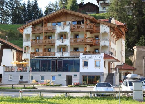 Hotel Goldener Adler - Curon Venosta