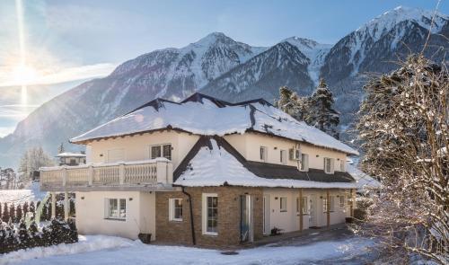 . Villa Ambach