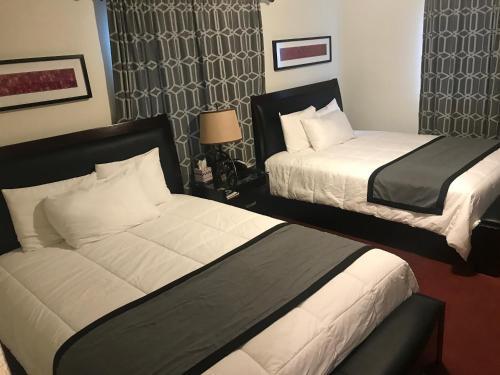 Фото отеля Sitka Hotel