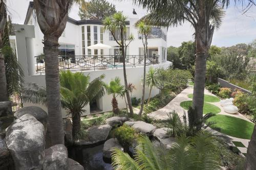 Francolin Manor