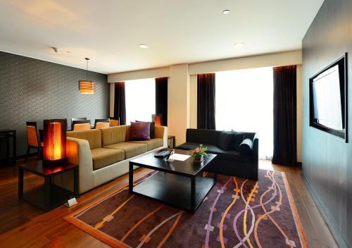 Radisson Suites Bangkok Sukhumvit photo 51