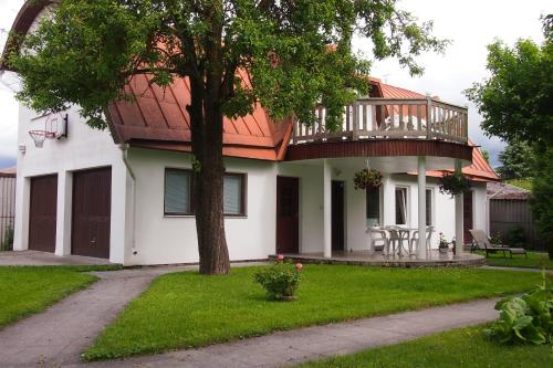 Manni Guesthouse