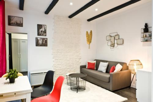 Pick A Flat - Higher Marais Apartments picture 1 of 47