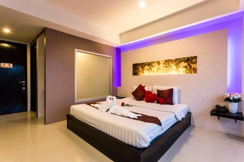 Staycation Offer Deluxe Double Room  + 10% Disc F&B