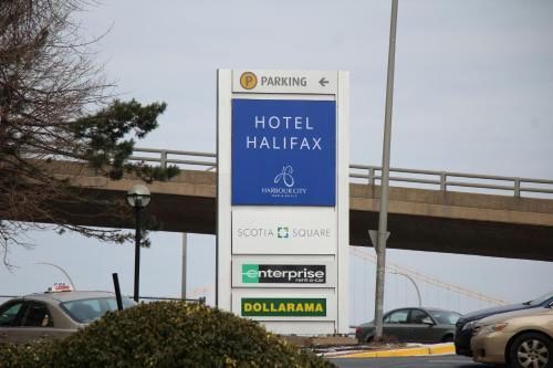 Hotel Halifax - Photo 5 of 33