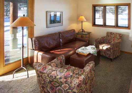 Rams Horn Village Resort - Estes Park, CO 80517