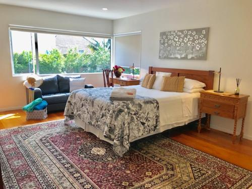 The Bays Bed & Breakfast - Accommodation - Auckland