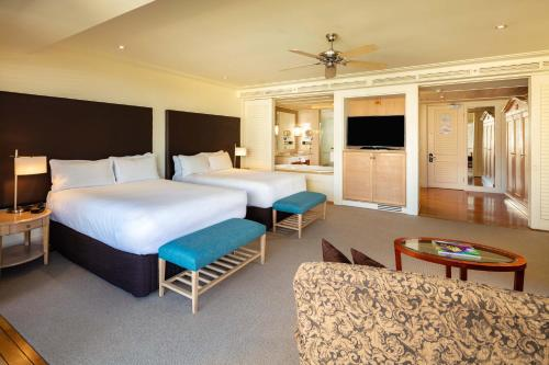 Junior Suite with 2 Double Size Beds and Spa Bath