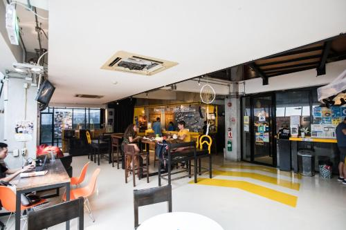 4, Decho Rd, Suriya Wong, Bang Rak, Bangkok, 10500, Thailand.
