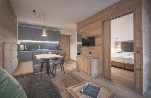 . Ahrner Wirt Apartments