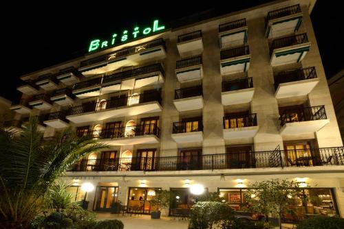 A Hotel Com Hotel Bristol Hotel Alassio Italien Preis