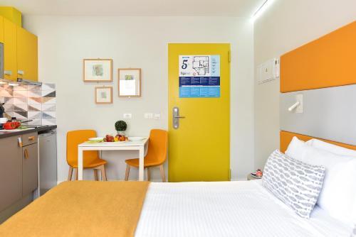 Hotel Apartamento Bajamar 80
