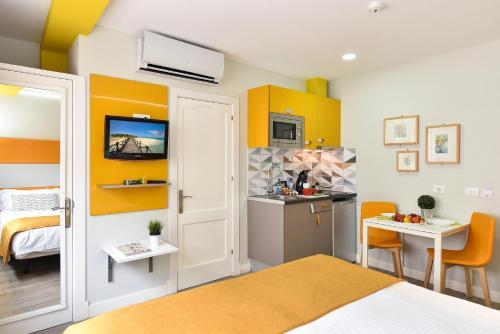 Hotel Apartamento Bajamar 81