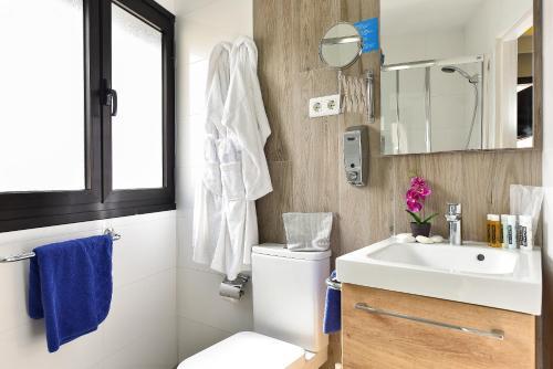 Hotel Apartamento Bajamar 84