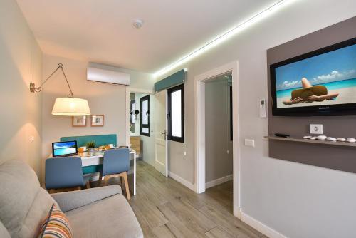 Hotel Apartamento Bajamar 61