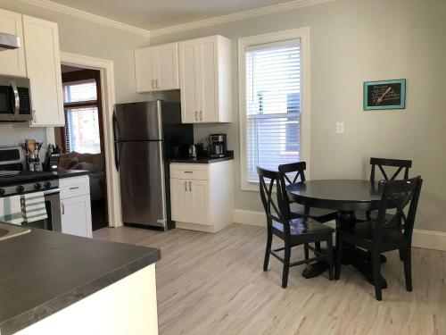 Private Two Bedroom in Midtown!