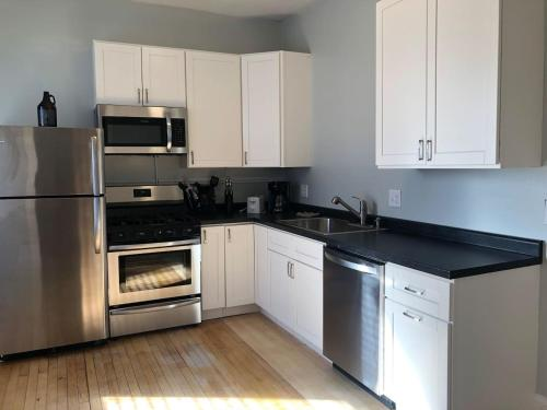 Large, Spacious And Close To Uptown & Downtown!