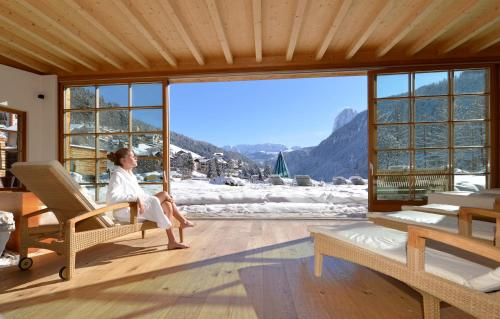 Via Rezia 7, Ortisei 39046, Dolomites, Italy.