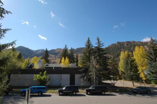 118 E. Bleeker St. Upper Level - Aspen, CO 81611