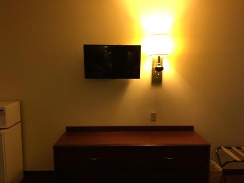 Thunderbird Motor Inn - Hotel - Baraboo