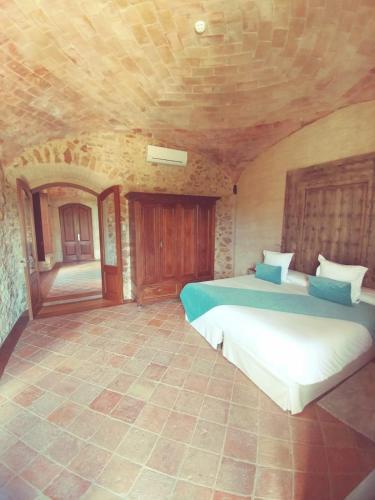 Suite Hotel Molí de l'Escala 9
