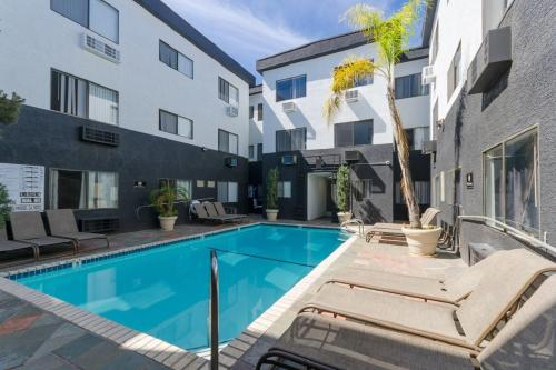 Luxury Suite Hollywood Apartment By Sts - Los Angeles, CA 90028