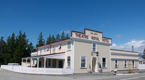 . Theatre Royal Hotel