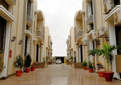 . Zifan Hotel & Suites