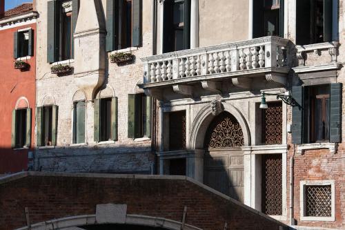 Appartamenti Palazzo Foscarini . - image 4