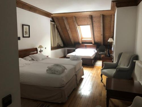 Superior Double Room (4 adults) Hotel Yoy Tredòs 1
