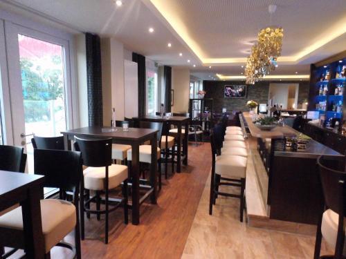 . Hotel Oelen & Holgers Brasserie und Lounge