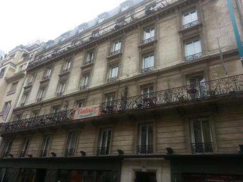 Vintage Paris Gare du Nord by Hiphophostels photo 3