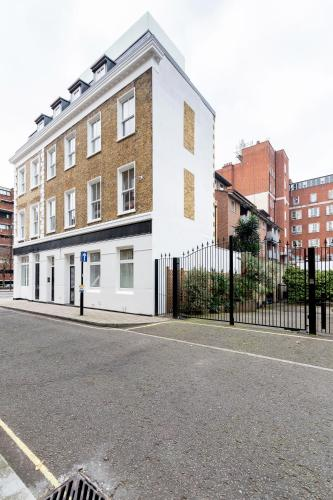 110 Vauxhall Bridge Road, London