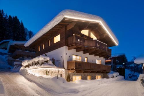 Villa Mountain View - bei Kitzbühel, Sauna, Kamin, Whirlpool, nahe Skilift Kirchberg i. Tirol