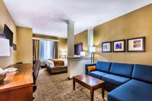 Comfort Suites Houston I45 North - image 5