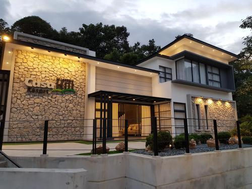 . Casa Hill Resort