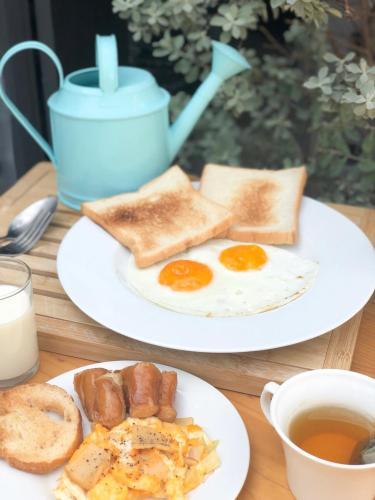Kinnon Deluxe Hostel Coworking Cafe photo 43