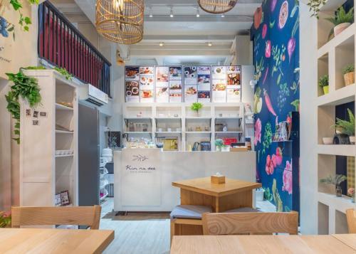 Kinnon Deluxe Hostel Coworking Cafe photo 64
