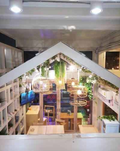 Kinnon Deluxe Hostel Coworking Cafe photo 67