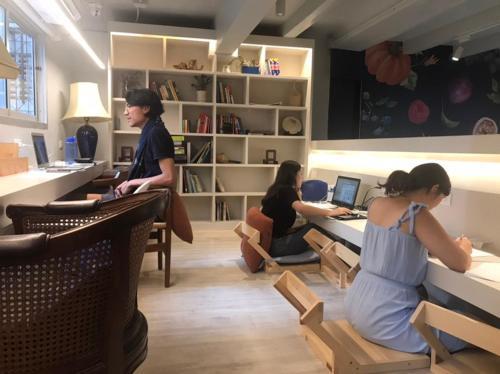 Kinnon Deluxe Hostel Coworking Cafe photo 69