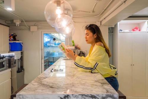 Kinnon Deluxe Hostel Coworking Cafe photo 71