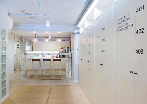 Kinnon Deluxe Hostel Coworking Cafe photo 100