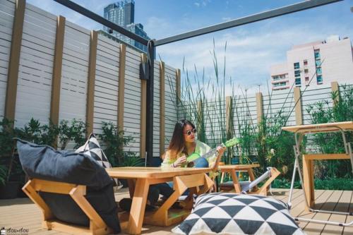 Kinnon Deluxe Hostel Coworking Cafe photo 101