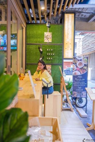 Kinnon Deluxe Hostel Coworking Cafe photo 120