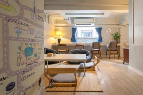 Kinnon Deluxe Hostel Coworking Cafe photo 129