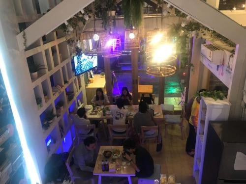Kinnon Deluxe Hostel Coworking Cafe photo 133